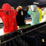 Хоть и не лето, а в «Смешных ценах» уже появились симпатичные женские футболки. Обзор.
